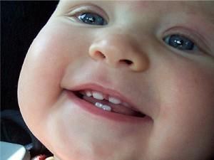 Помогите ребенку во время прорезывания зубов