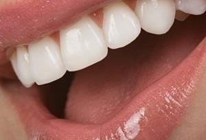 Ученые стараются восстанавливать зубную эмаль