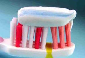 Зубную пасту опасно использовать часто